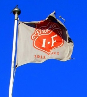 flagg-bla-himmel-flaggstang_1bfqhumro69ks13ppnpl9a8jg8